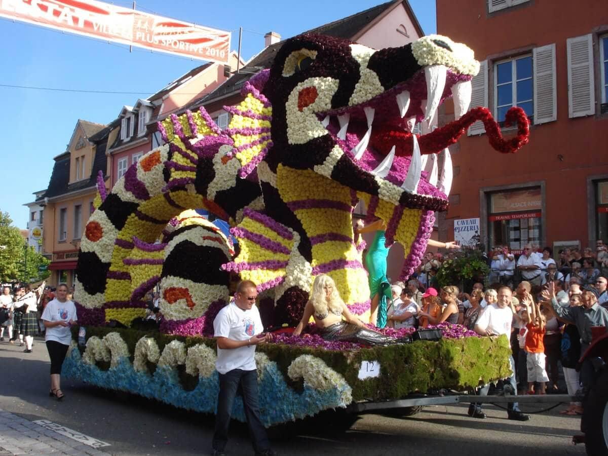 Image d'un corso fleuri du carnaval de Nice