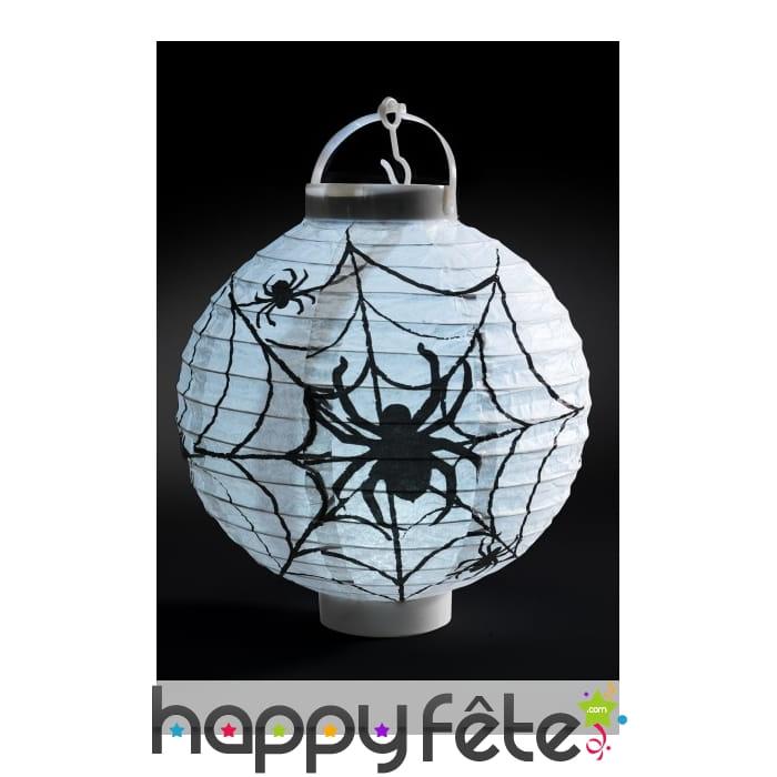 lanterne blanche motif araign e en papier. Black Bedroom Furniture Sets. Home Design Ideas