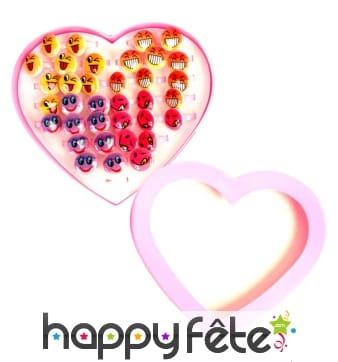 36 bagues smiley avec présentoir en forme de coeur