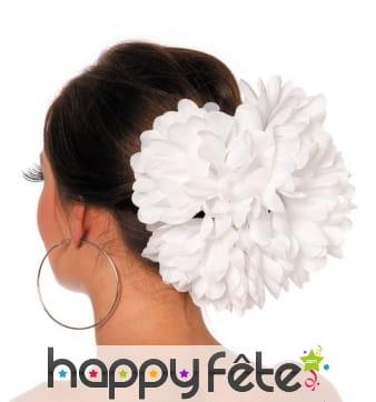 Grosse fleur blanche pour cheveux sur barette