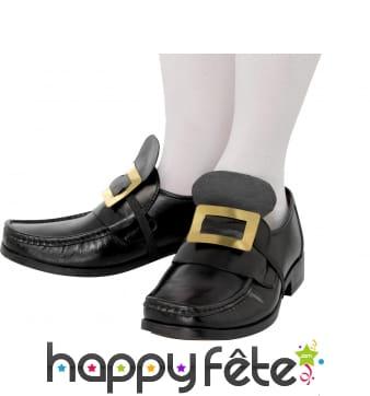 Boucles de chaussures luxueuse. Dorée