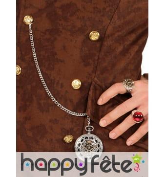 Bijou de pirate sur chaine type montre à gousset