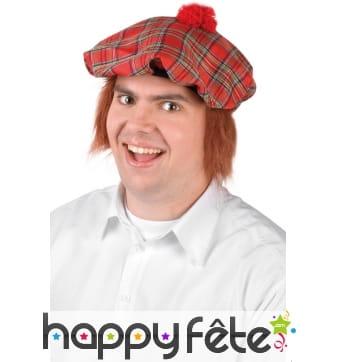 Béret motifs écossais avec cheveux roux