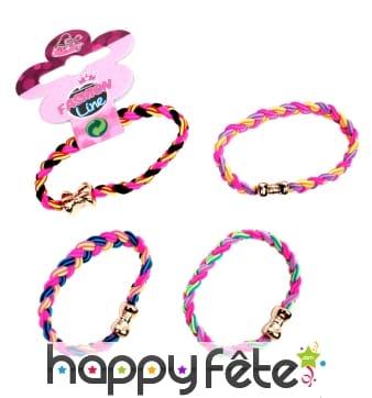 Bracelet tressé coloré fermeture noeud papillon
