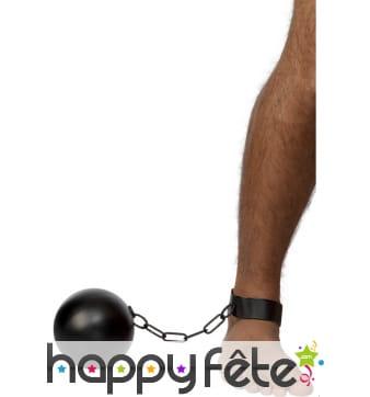Chaine avec boulet de prisonnier