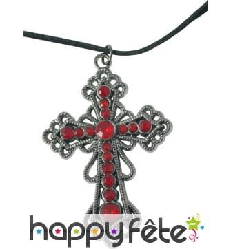 Collier avec croix rouge et argentée gothique
