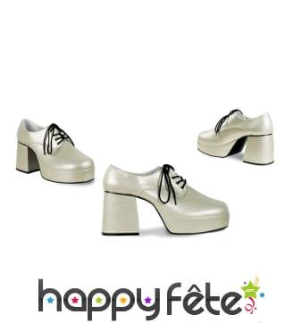 Chaussures argentées disco à talon haut