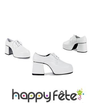 Chaussures blanches disco à haut talons