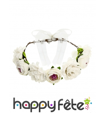 Couronne blanche de fleurs