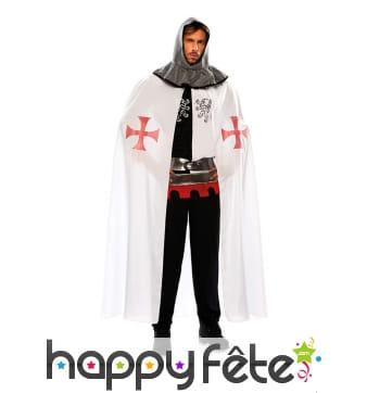 Cape blanche médiévale avec croix rouges, homme