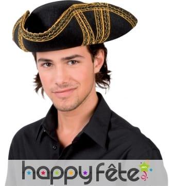 Chapeau bicorne noir de pirate brodé doré