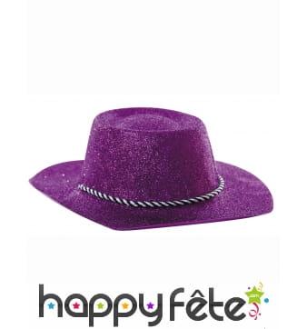 Chapeau de cowgirl violet recouvert de paillettes