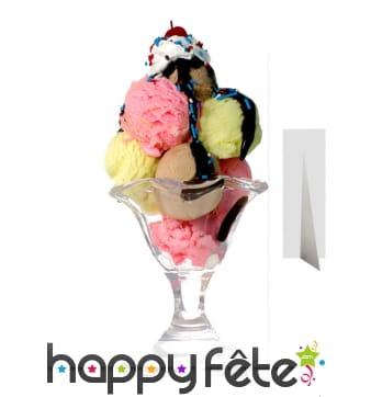 Coupe de crème glacée géante en carton