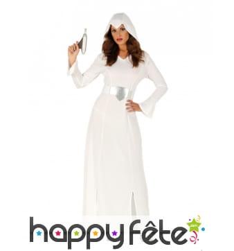 Costume de femme de l'espace blanc et argenté