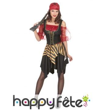 Costume de femme pirate avec corset noir et doré
