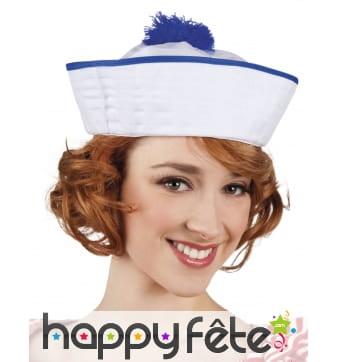 Chapeau de marin blanc avec pompon bleu