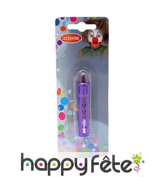 Crayon de maquillage violet