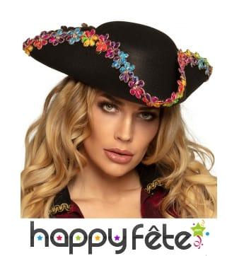 Chapeau de pirate noir avec fleurs colorées