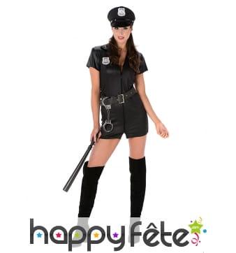 Combi de policière courte en simili noir