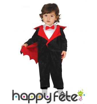 Combinaison de petit vampire avec cape pour bébé