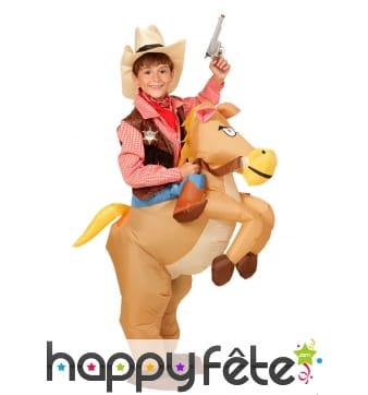 Costume enfant de cowb-boy à dos de cheval