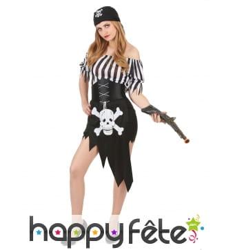 Costume femme pirate noir tête de mort blanche