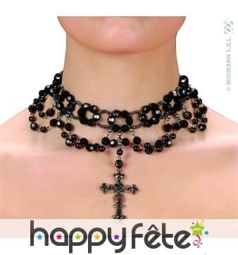Collier gothique avec perles et croix