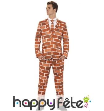 Costume mur de brique