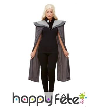 Cape médiévale grise avec larges épaules, femme