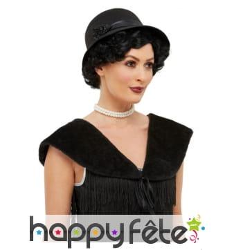 Chapeau noir années 20 avec étole