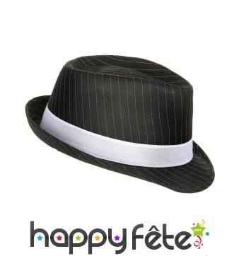 Chapeau noir rayé de gangster