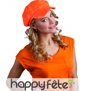 Casquette orange disco recouverte de sequins