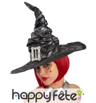 Chapeau pointu noir froncé de sorcière