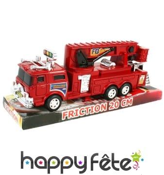 Camion rouge de pompier à rétro-friction