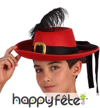 Chapeau rouge de mousquetaire pour enfant