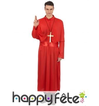 Costume rouge de prêtre