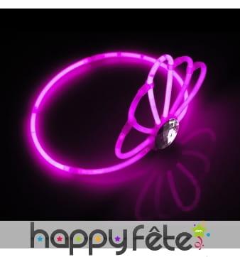 Couronne rose luminescente avec perles