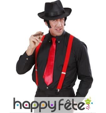 Cravate rouge unie et satinée de 145cm