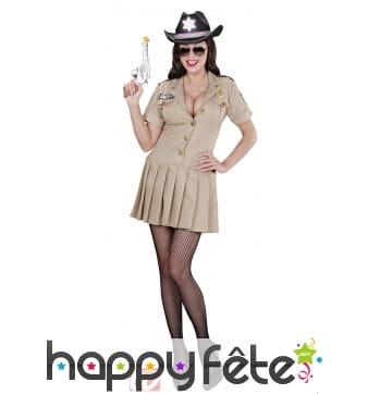 Costume sheriff girl
