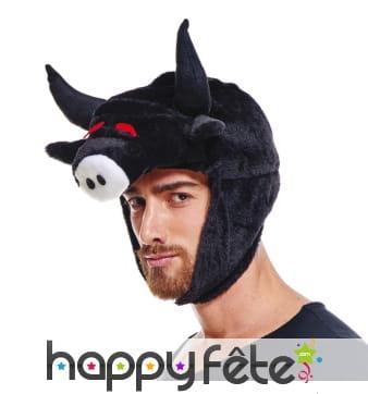 Chapeau tête de taureau noir yeux rouges