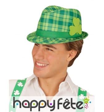 Chapeau tartan Irlandais avec trèfle