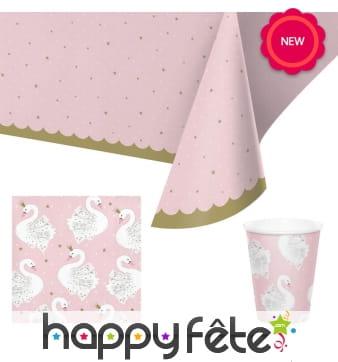 Déco cigne sur fond rose pour table d'anniversaire