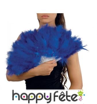 Eventail bleu en plumes