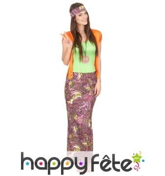 Ensemble coloré de femme hippie