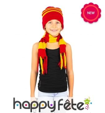 Echarpe et bonnet rouge et jaune ligné