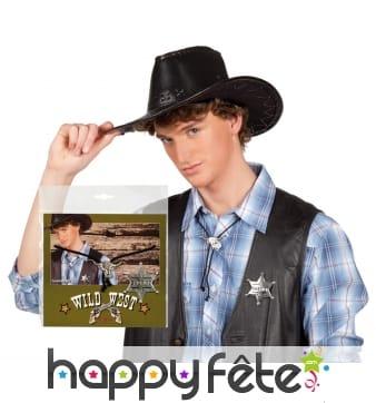 Ecusson et collier de cowboy