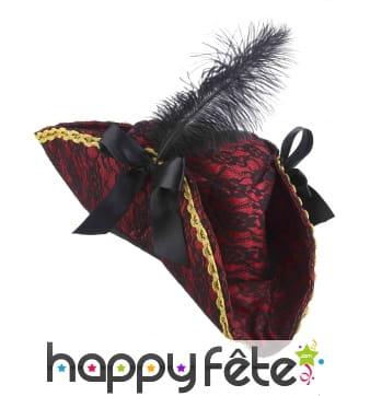 Elegant tricorne baroque de pirate avec plume