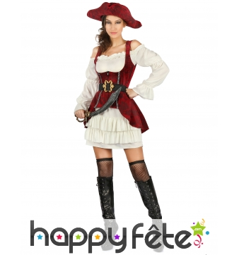 Elegante tenue rouge et blanche de femme pirate