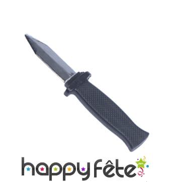 Faux couteau à lame rentrante