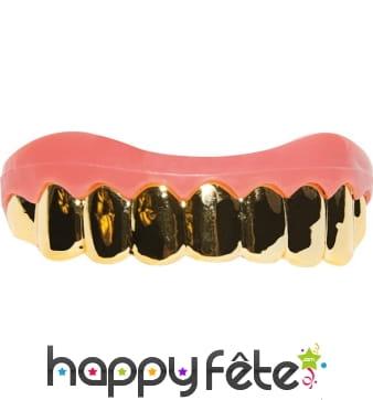 Fausses dents en or